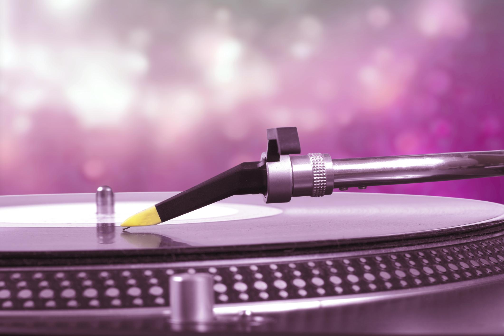 Wedding DJs Love Bruno Mars – 4 Reasons Why You Should