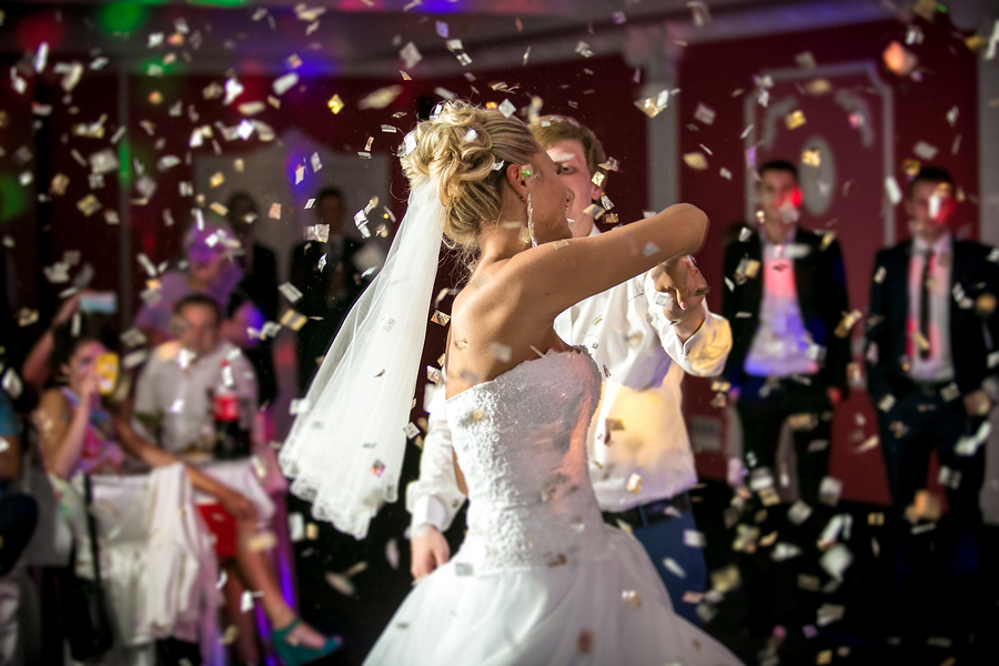 How To Get More Wedding Guests On The Dance Floor Than At The Tables