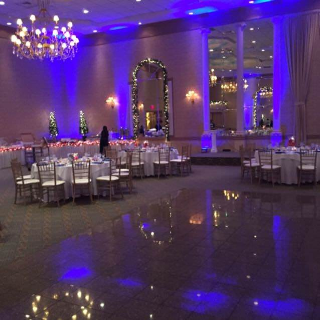 wedding-banquet-spot-lighting-1